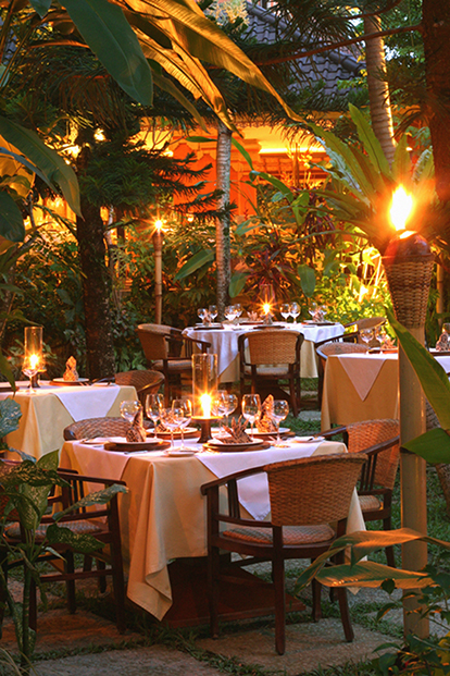 mozaic-restaurants-garden-dining2