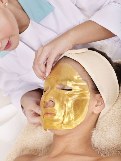 Gold-mask-621