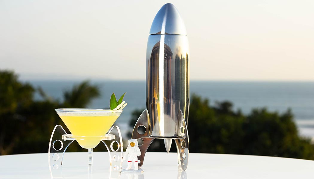 Rocket cocktail shaker, Space champagne & caviar-2